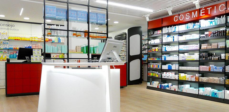 Mobiliario de Farmacia Mateu. Galería de Instalaciones