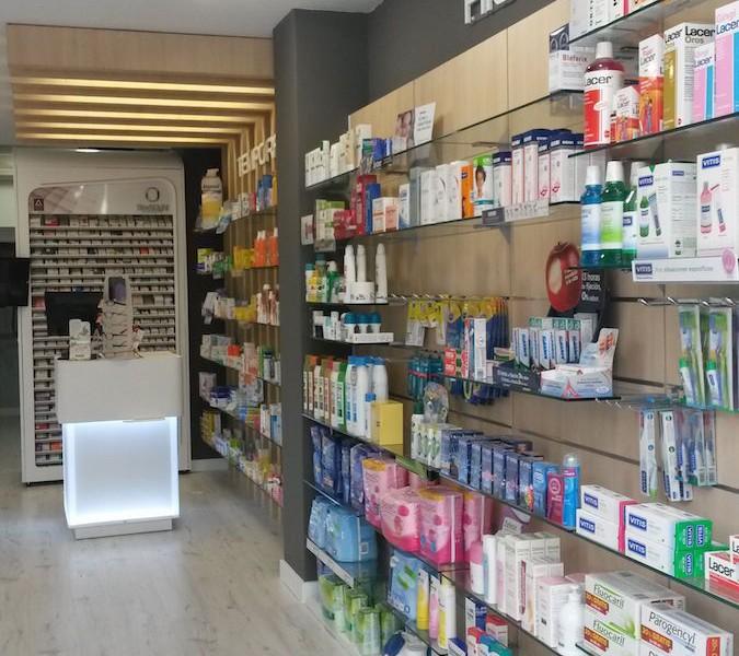 Interior farmacia Galicia Castrelos Stocklight