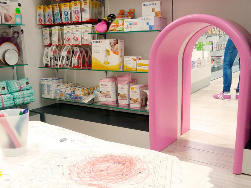 Zona infantil farmacia COR mobiliario