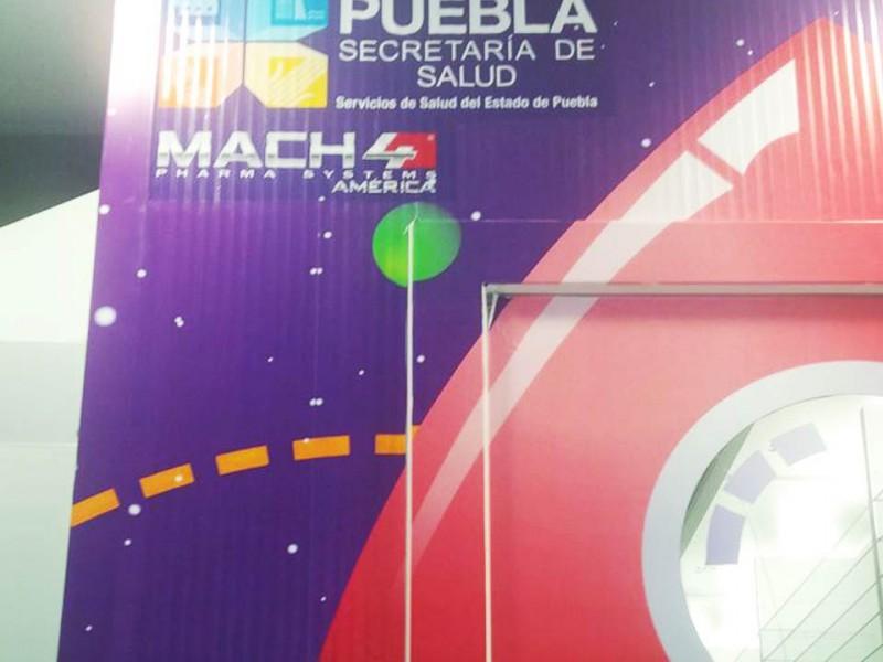 Detalle del cartel del Robot MACH4